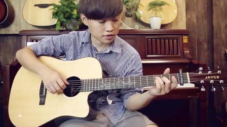 注意每一句上的音符代表,歌词没有什么难度,重点是在吉他弹奏方面