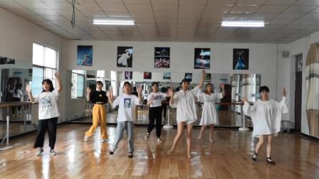 幼儿舞蹈《新健康歌》,这几位老师一个比一个跳的好,动感十足!