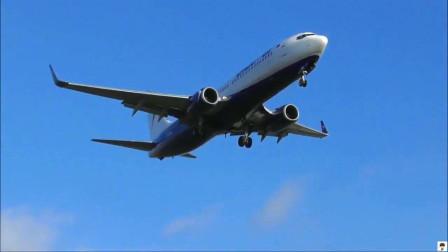波音737客机降落伯明翰机场,航空爱好者拍摄