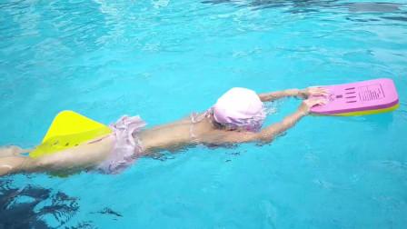 刘坚强儿童学《从零开始学游泳·蛙泳》3-4 扶浮板换气