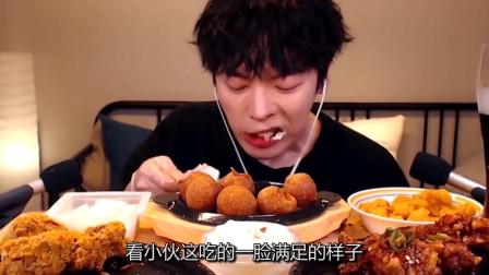 韩国吃播:巧克力味鸡腿+芝士球,小伙吃的那叫一个香,看饿了