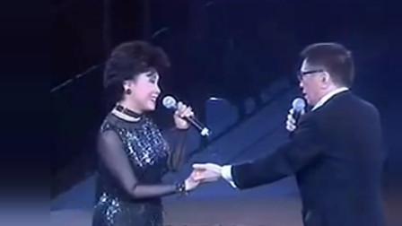 黄霑演唱会上,顾媚独唱《不了情》歌声悦耳,不愧是顾嘉辉的姐姐