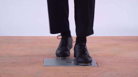 在笔记本上狂踩一顿踢踏舞,关键它不坏啊...