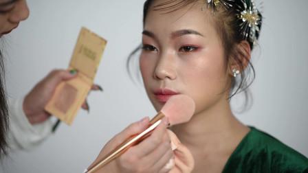 化妆培训学校韩秀文老师轻奢复古晕染唇化妆视频教程分享