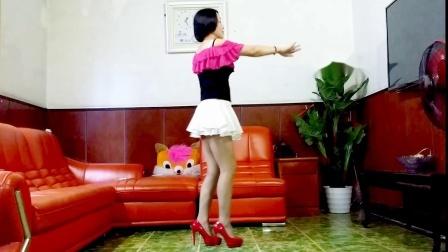 静儿舞蹈网红流行《灰姑娘》32步简单好看