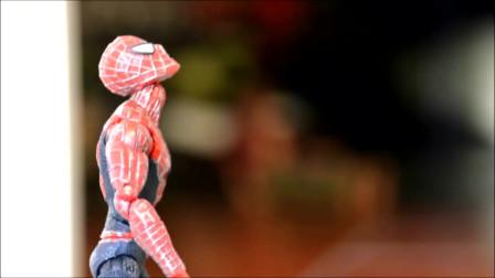 小丑熊玩具故事:奥特曼教你如何才能战胜坏人