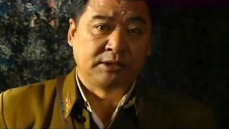 卢队长强占妇女,见妇女不肯顺从,他竟拿枪威胁妇女的孩子
