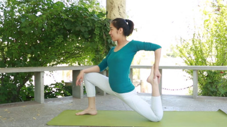 实用的瑜伽教学,适合初学者,在家也能做