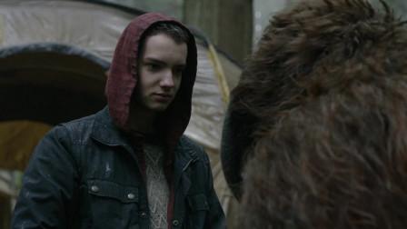 猩球崛起2:黎明之战:胖猩猩来了,人类男孩拿书谢胖猩猩的救命之恩!