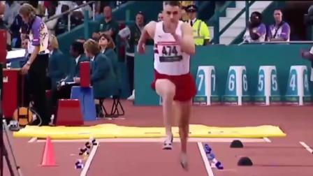 这弹跳力确定是腿吗?天生小腿发达的男子三级跳远稳夺世界冠军