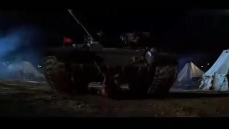 第一滴血3:为救昔日战友 特种兵兰博独闯苏军军营,场面火爆刺激