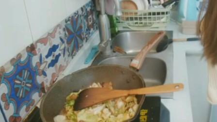 炒大白菜,简单到人人都会做,但不同的人,炒出来味道却各不一样