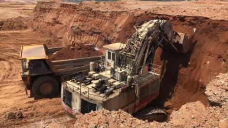 挖掘机视频,超级大正铲挖掘机,一铲斗几个立方?