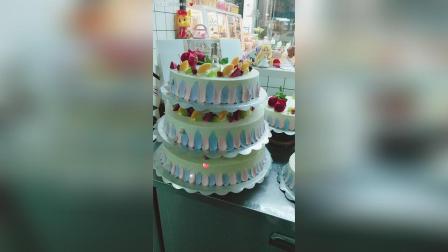 7层蛋糕马上配送。