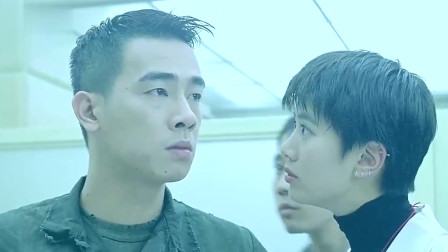 香港黑帮电影 黑帮老大B哥带人搞事 古惑仔山鸡出场当场摆平。
