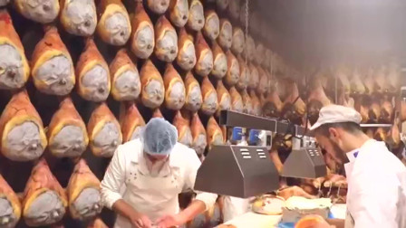 意大利一家食品加工厂的帕尔玛火腿,满眼都是大火腿