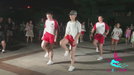 想要拥有小蛮腰?其实并不难,只需每天坚持跳一段广场舞即可,你还在等什么!