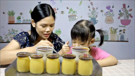 要吃布丁不用买了,两个芒果,两盒牛奶,就能做出香滑的芒果布丁