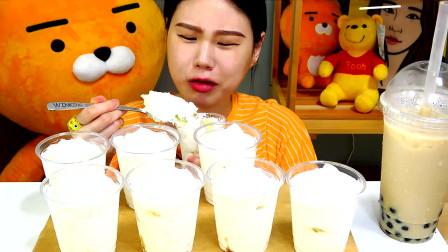 韩国大胃王卡妹,试吃八大杯奶油冰淇淋,太过瘾了