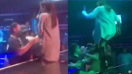 女歌手台上表演被男子咸猪手骚扰 站起身往脸上就是一脚