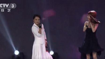 李玲玉戴上手套跳霹雳,这还是那个甜歌妹子李玲玉吗?