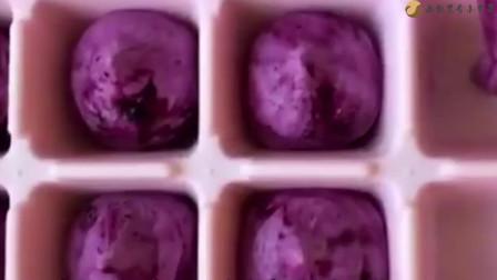 """自制""""蓝莓脆皮雪糕""""在家就可以做,简单易学"""