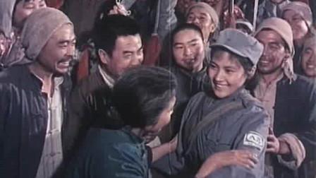 1974年老电影《平原游击队》插曲《军民团结如一人》时代的烙印