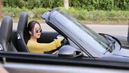 开跑车的妹子和货车司机的互动对怼