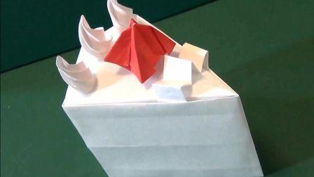 非常诱人的折纸蛋糕,简直和真的一样,忍不住想吃一口!