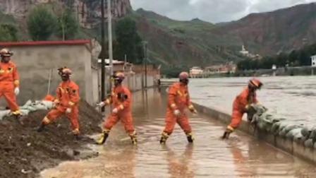 新闻30分 2019 青海果洛:黄河拉加镇段水位上涨 民房进水