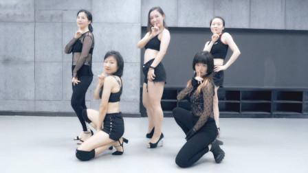 妈妈们的女团舞蹈练习室
