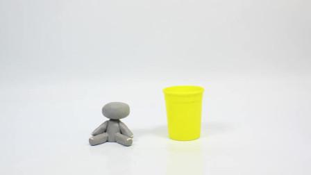 定格动画:用橡皮泥捏捏就出来个小动物,自己还能动,好有趣啊 !