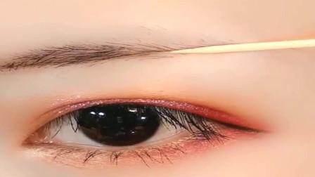 第一次见眉毛还能这样画,两根牙签就搞定,真令我大开眼界