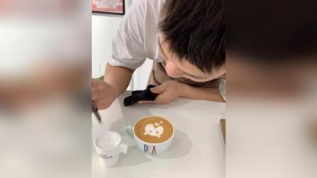 美拍视频: 咖啡拉花