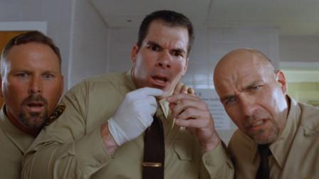 为防止狱中被欺负,男子竟在关键部位纹了恶魔之眼,狱警都怕了他