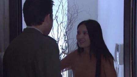 丈夫上班突然回家,大白天妻子把门反锁,进去一看果然出事了