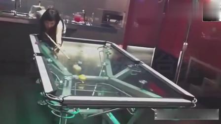 玻璃台球桌打台球,还敢大力出奇迹?