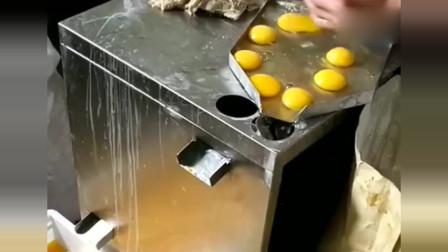 看见了没?有些路边摊很卫生,想用不新鲜的鸡蛋都难!