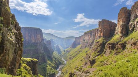 """世界上平均海拔最高国家,粮食不能自给,也被称为""""天空之国""""!"""