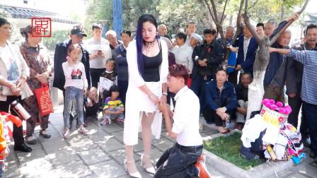 贵州山歌《十二月离婚》赵双燕、王军演唱