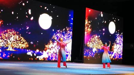 幼儿园毕业典礼 老师舞蹈+小班可爱萌宝搞怪舞蹈
