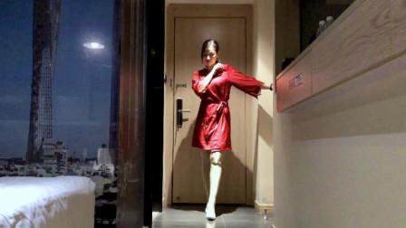 64步广场舞《望爱却步》蓝琪儿- (DJ何鹏版)映容雪原创