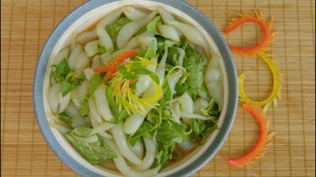 夏天吃肉太油腻,大厨教你拌面鱼,配上米饭能吃三大碗