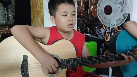 何明洋同学学习吉他视频