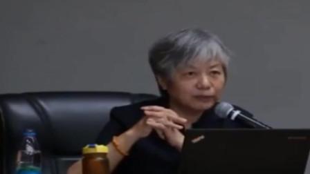 李玫瑾:怎样培养人见人爱情商高的孩子?这个阶段聪明妈妈这样做.
