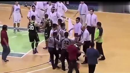 篮球历史上那些恶性的冲突合集:打球就打球,你耍组合拳干嘛?
