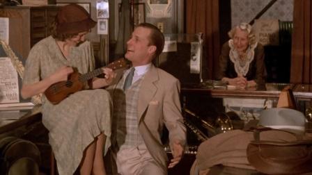 """美女弹琴,小哥沉醉到下跪,这场面太""""有趣""""了"""