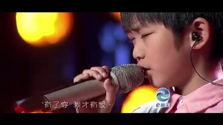 8岁小男孩到底唱得什么歌曲,太感动了,杨钰莹都忍不住落泪
