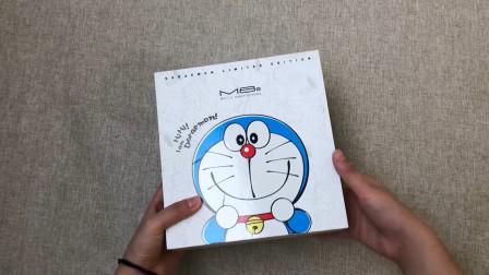 """699元的""""哆啦A梦""""限量版手机开箱,打开盒子一瞬间:这是手机?"""
