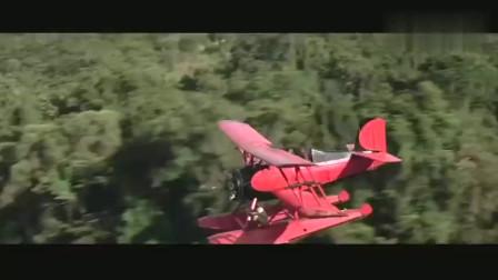 全景展现从飞机上跳到奔跑的马身上,这技术真牛